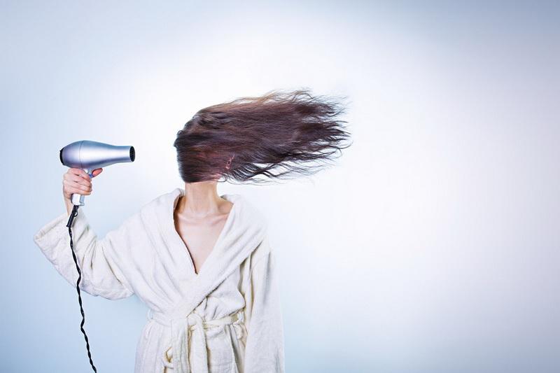 Kako protiv masne kose